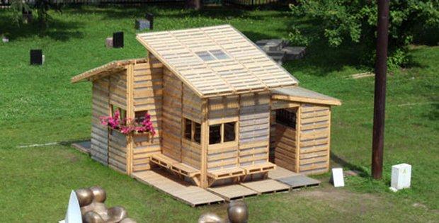 cab-pallet house