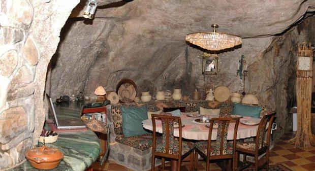CAB-cavehouse2