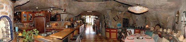 CAB-cavehouse4
