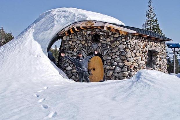 "From the book ""Tiny Homes: Simple Shelter"" by Lloyd Kahn Mike Basich's stone and wood cabin in the Sierra mountain wilderness. (p. 8) Photo CREDIT: Evan Kahn"