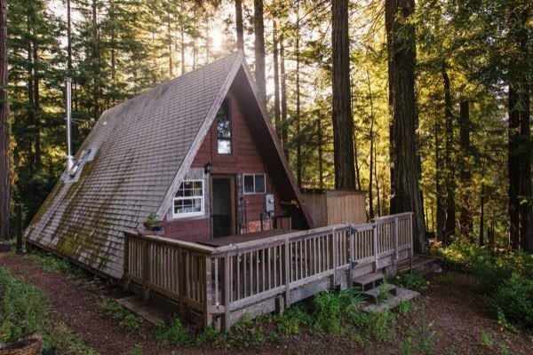 amazing-tiny-a-frame-cabin-in-the-redwoods-016b-600x400