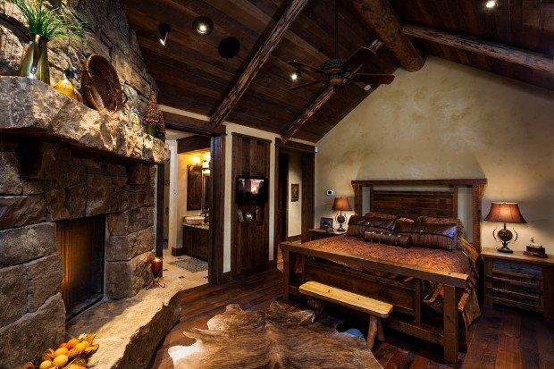 foxtail-residence-big-sky-log-cabin-master-bedroom