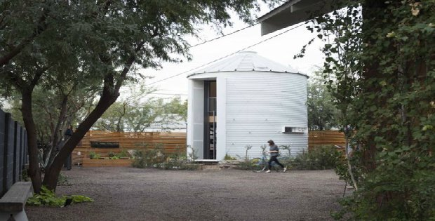 Is this a house or a silo You decide Cabin Obsession : lop1 from cabinobsession.com size 620 x 315 jpeg 56kB