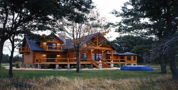 Ever Wonder What It 39 S Like To Live In A Lavish Log Home