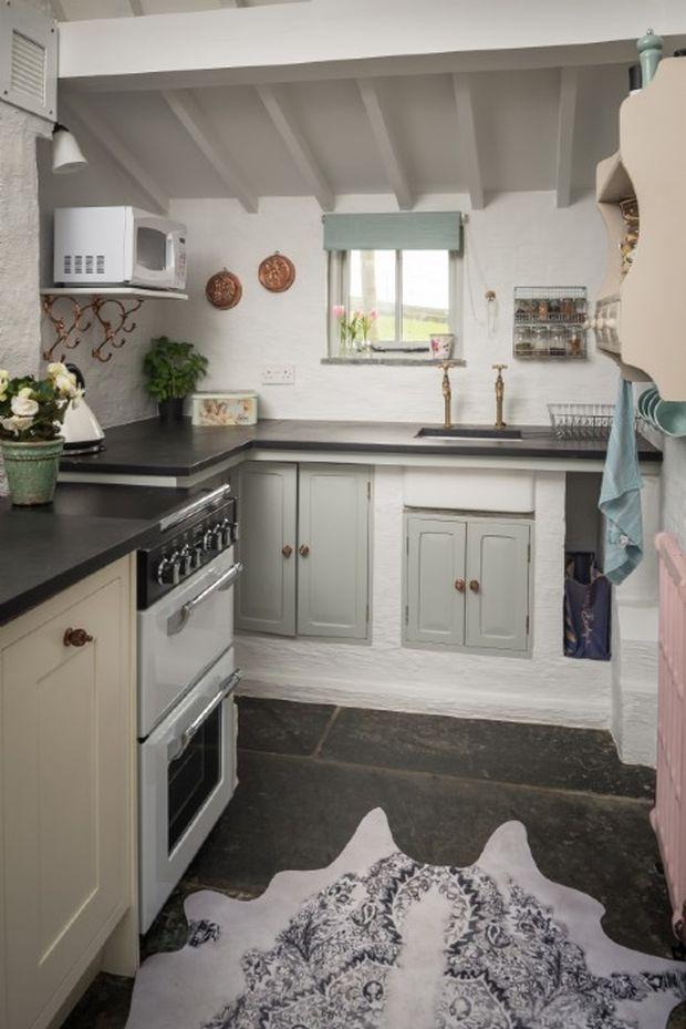 aphrodite-stone-cottage15