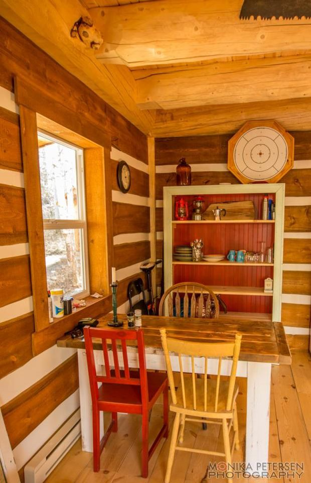 horsefly-lake-cabin-ldk3-via-smallhousebliss