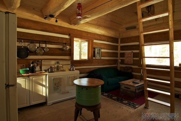 horsefly-lake-cabin-ldk6-via-smallhousebliss