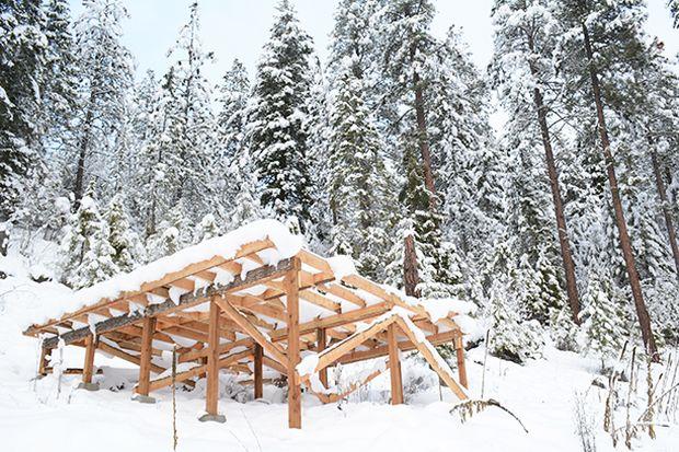 hot-tub-deck-under-construction