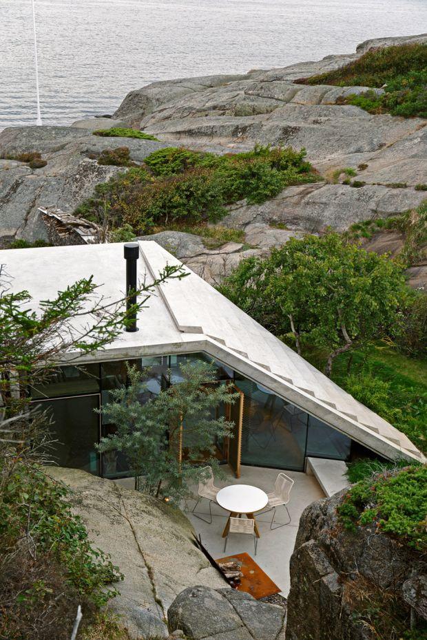 cabin-knapphullet-lund-hagem-kim-muller-photography-sandefjord-norway_dezeen_936_10