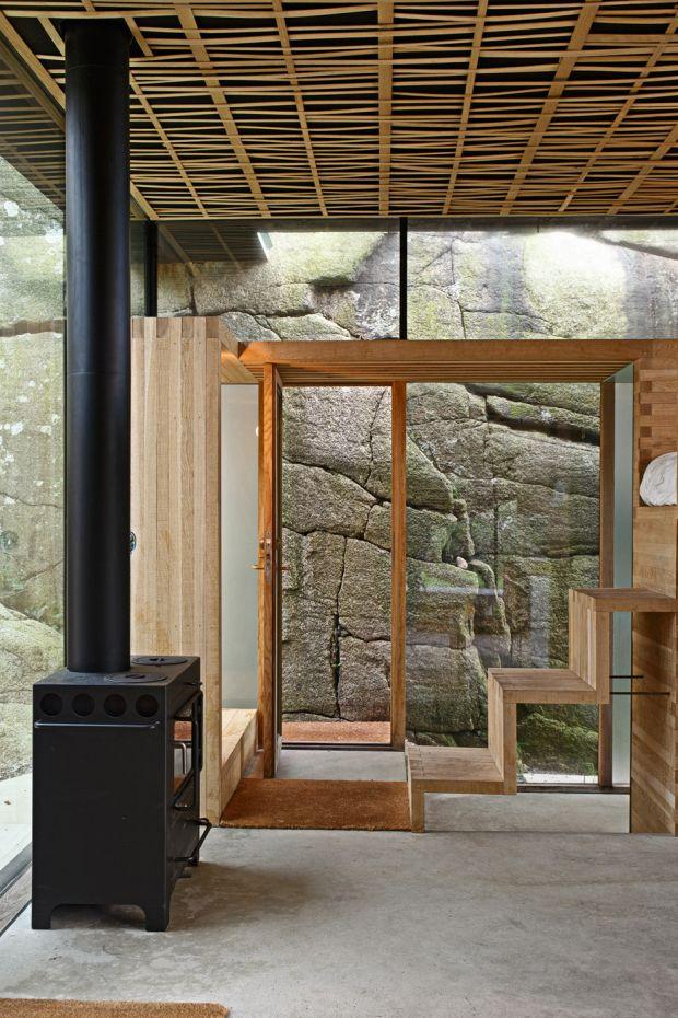 cabin-knapphullet-lund-hagem-kim-muller-photography-sandefjord-norway_dezeen_936_11