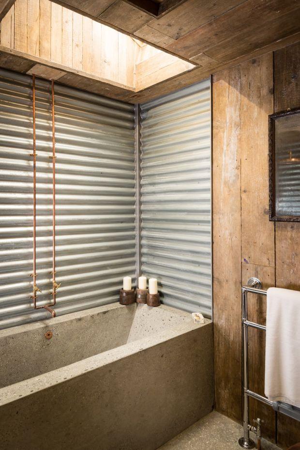 firefly-cabin-in-cornwall-bathroom3-via-smallhousebliss