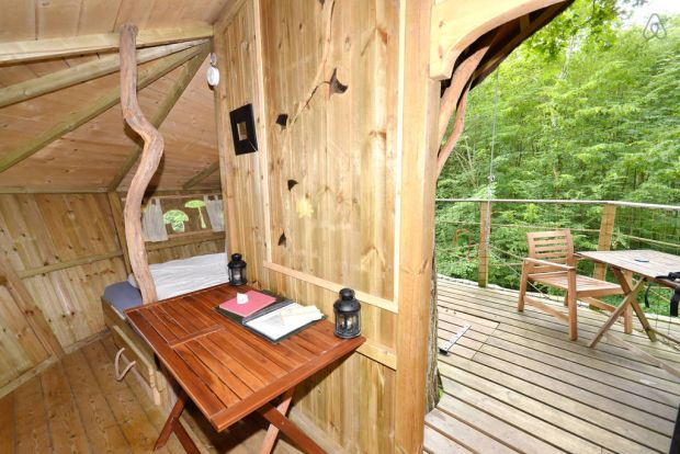 Treehouse-in-France-Tree-house-Gabrielle-dEstrees-002