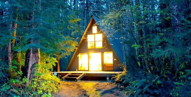 Tye Haus: A-Frame Ski Chalet at Steven\'s Pass - Cabin Obsession