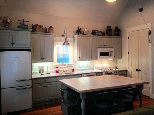 dog-trot-cabin-vaulted-kitchen-680px
