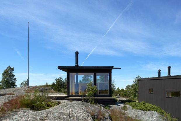 small-houses-far-out-archipelago-stockholm-margen-wigow-arkitektkontor-sweden_dezeen_936_1