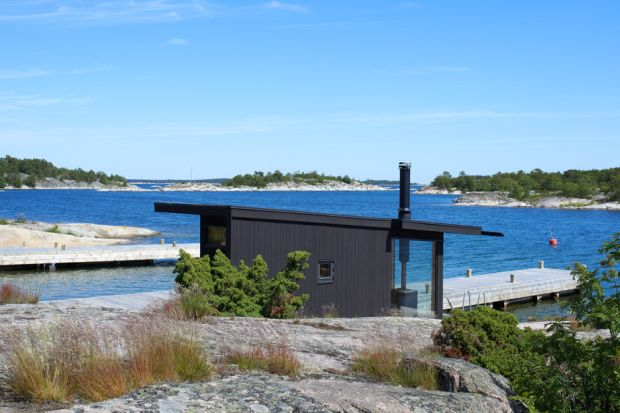 small-houses-far-out-archipelago-stockholm-margen-wigow-arkitektkontor-sweden_dezeen_936_2