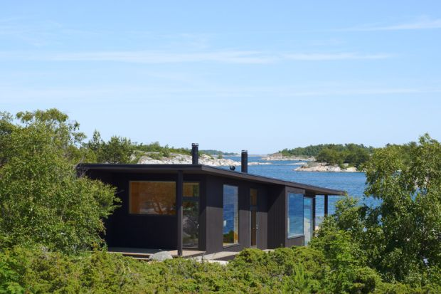 small-houses-far-out-archipelago-stockholm-margen-wigow-arkitektkontor-sweden_dezeen_936_3