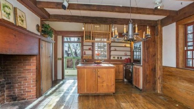 Alaska-kitchen-e1459965228545