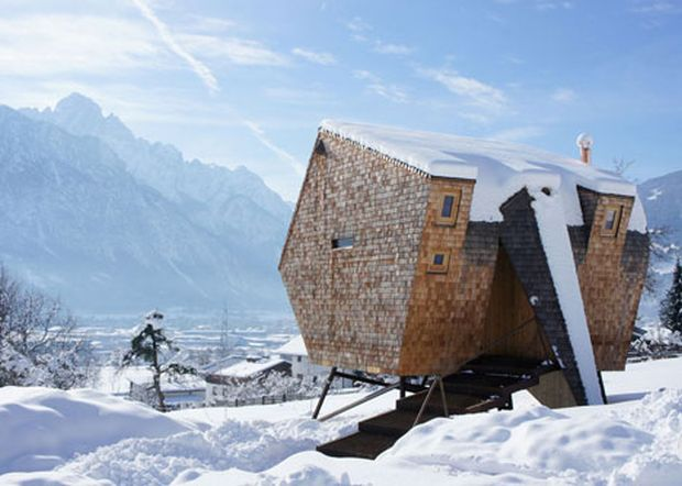 Ufogel-Holiday-House-by-Urlaubs-Architektur_dezeen_1