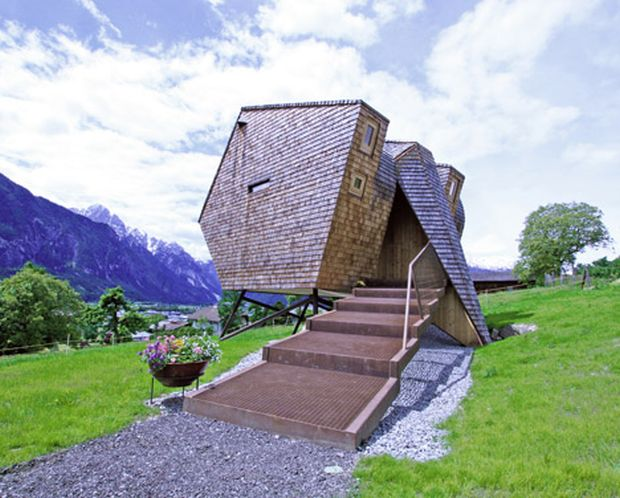 Ufogel-Holiday-House-by-Urlaubs-Architektur_dezeen_5a