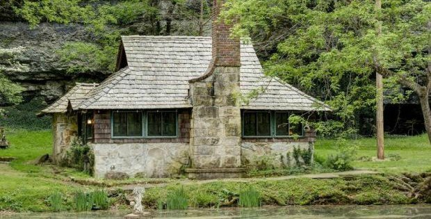 FOR SALE] The Fairytale Cabin in Missouri - Cabin Obsession