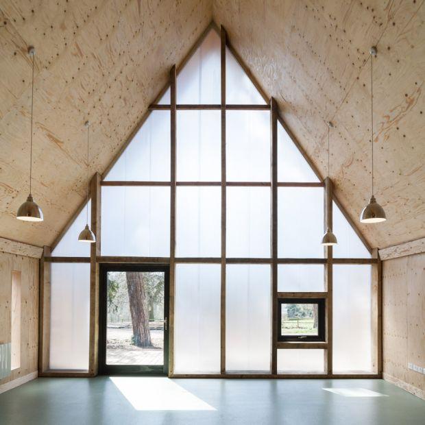 wolfson-tree-management-centre-mess-building-invisible-studio-architecture-gloucestershire-uk_dezeen_936_11