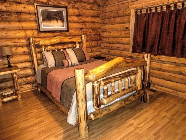 First-Bedroom-queen-bed
