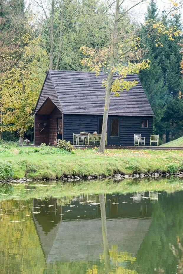 Woodland-Cabin_Belgium_De-Rosee-Sa-Architects_dezeen_936_19