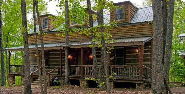 Talking rock the antique style hand hewn cottage cabin for Hand hewn log cabin