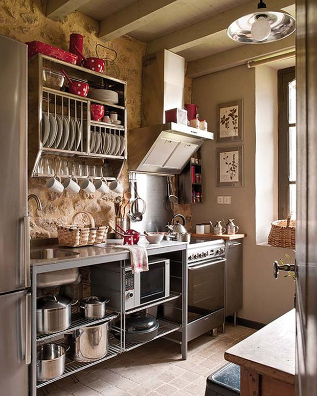 15 small kitchen ideas for your cabin cabin obsession - Studio kitchen ideas for small spaces minimalist ...