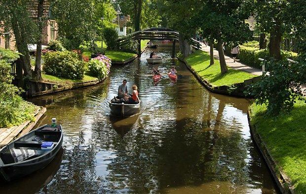Giethoorn Village