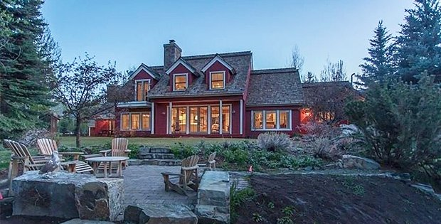 FOR SALE Luxurious Red Barn Style House