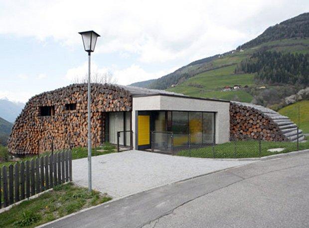RESIZED weird-and-wonderland-log-cabin-house-1