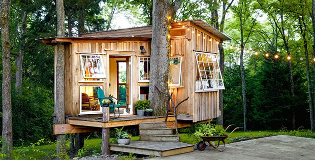 A tree house for grown ups cabin obsession for Little big house plans