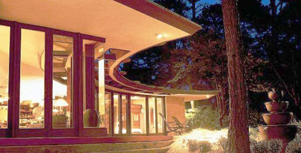 FEATURED IMAGE 01 Beach-House-by-Frank-Lloyd-Wright