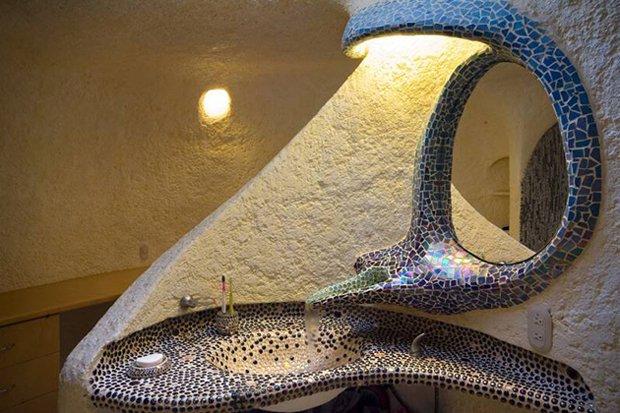 RESIZED Nautilus-Giant-Seashell-House 02