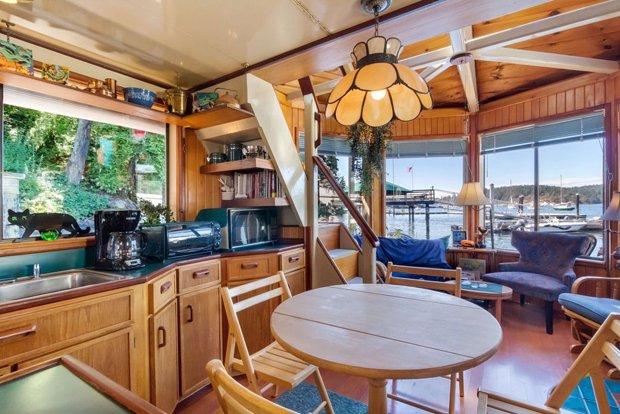 RESIZED Seattle Houseboat 04