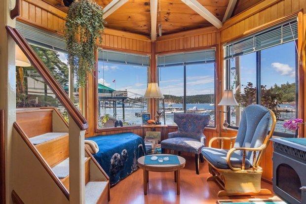RESIZED Seattle Houseboat 07