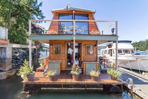 RESIZED Seattle Houseboat 09