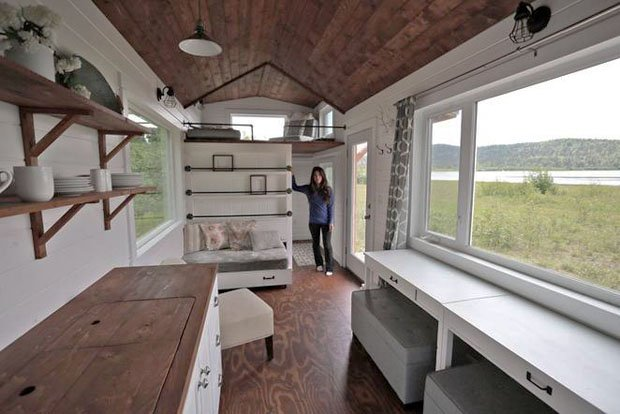 RESIZED ana-white-quartz-tiny-house 02