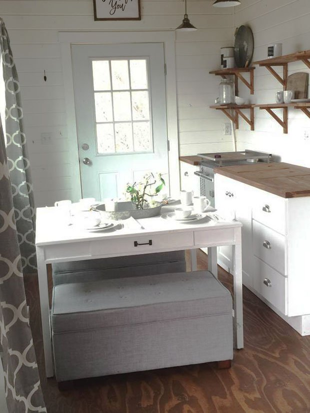 RESIZED ana-white-quartz-tiny-house 04