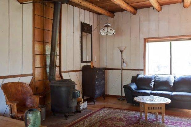 04 CONVERTED 10 Huxley Cabin ahb