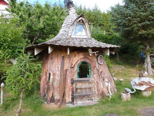 stump-house-2