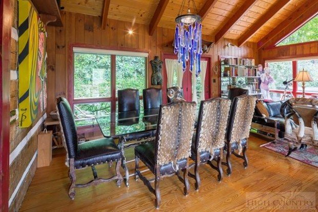 For Sale Traditional Log Home With Eclectic Decor Page 2 Of 3 Cabin Obsession