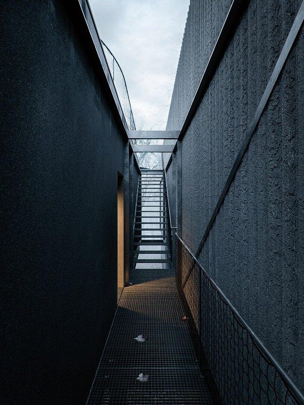 WOJR-maskhouse (1)