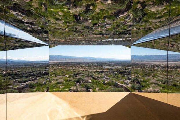 doug-aitken-lance-gerber-neville-wakefield-desert-x-installation-california-southern-art-exhibition-mirror_dezeen_2364_col_3-852x568