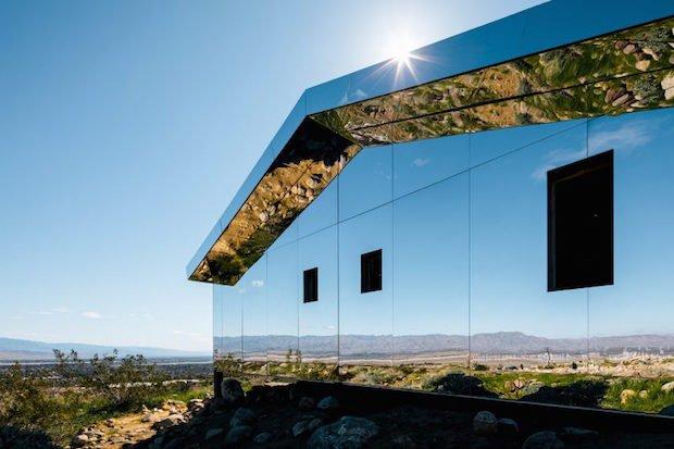 doug-aitken-lance-gerber-neville-wakefield-desert-x-installation-california-southern-art-exhibition-mirror_dezeen_2364_col_4-852x568