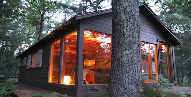 TRANQUIL TWO BEDROOM CABIN IN THE WOODS Cabin Obsession