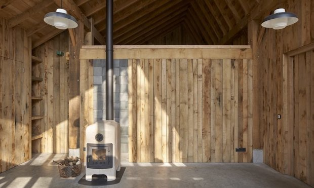 Sixteen oak barn home 9 cabin obsession for Find a builder com