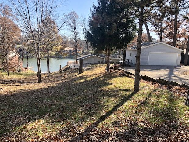 [FOR SALE] LOVELY LAKE HOUSE UNDER $200K